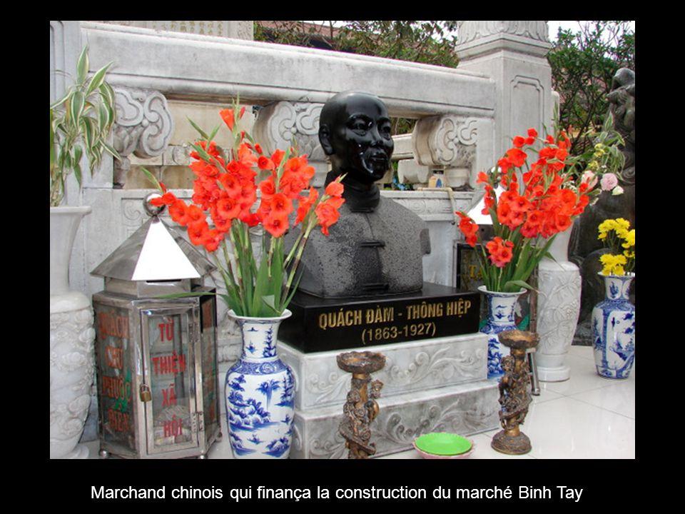 Marché chinois « BINH TAY » conçu par un architecte français (quartier du cholon)