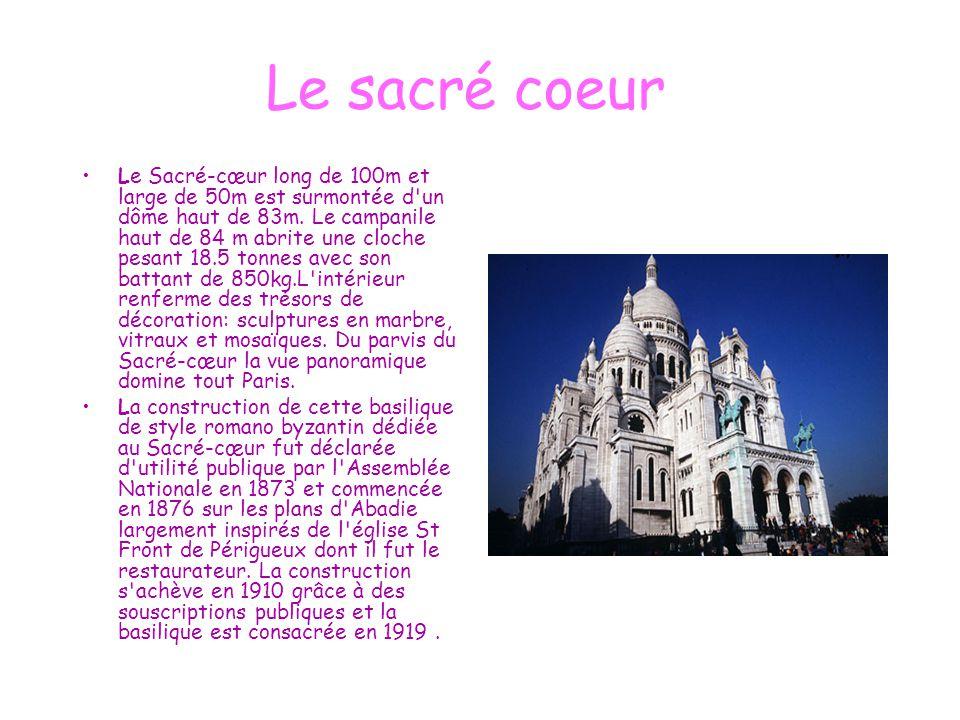 Le sacré coeur Le Sacré-cœur long de 100m et large de 50m est surmontée d'un dôme haut de 83m. Le campanile haut de 84 m abrite une cloche pesant 18.5