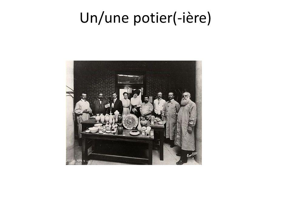 Un/une potier(-ière)