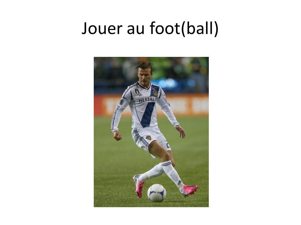 Jouer au foot(ball)