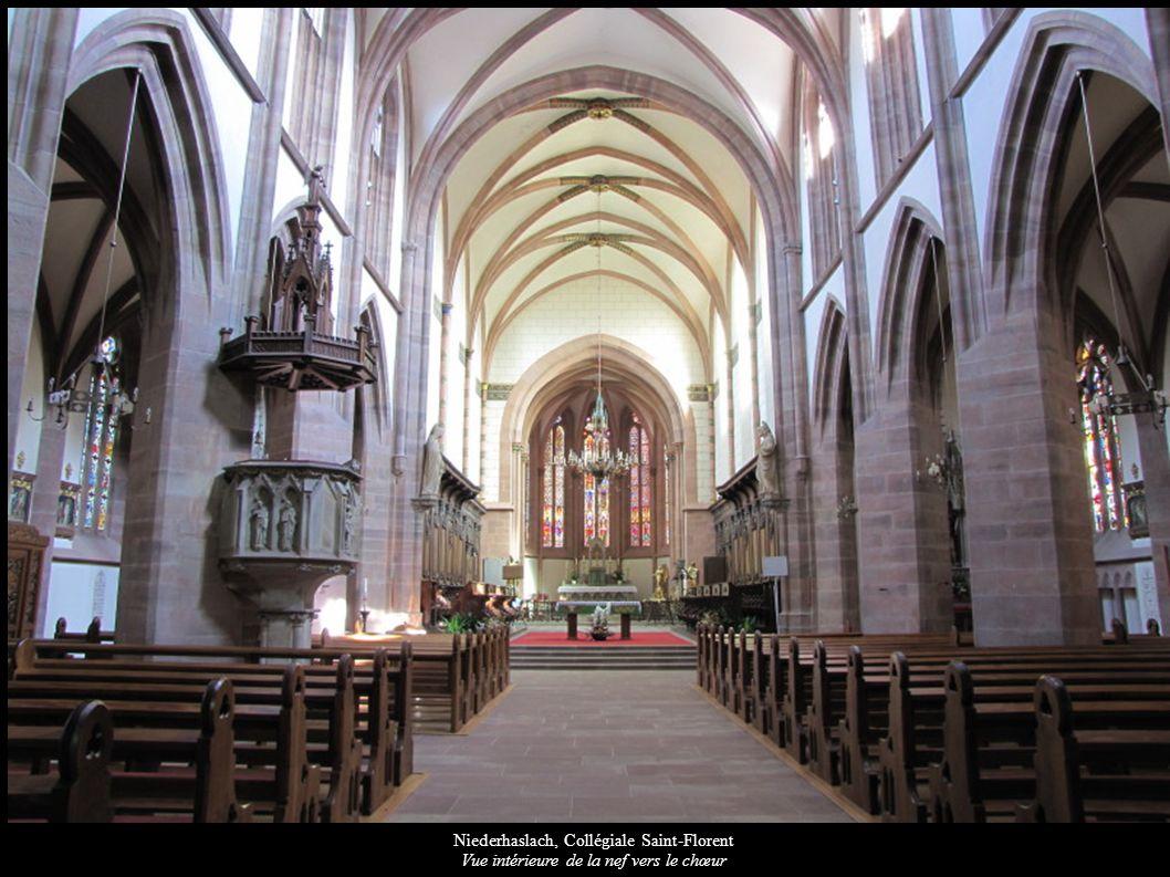 Niederhaslach, Collégiale Saint-Florent Vue intérieure de la nef vers le chœur