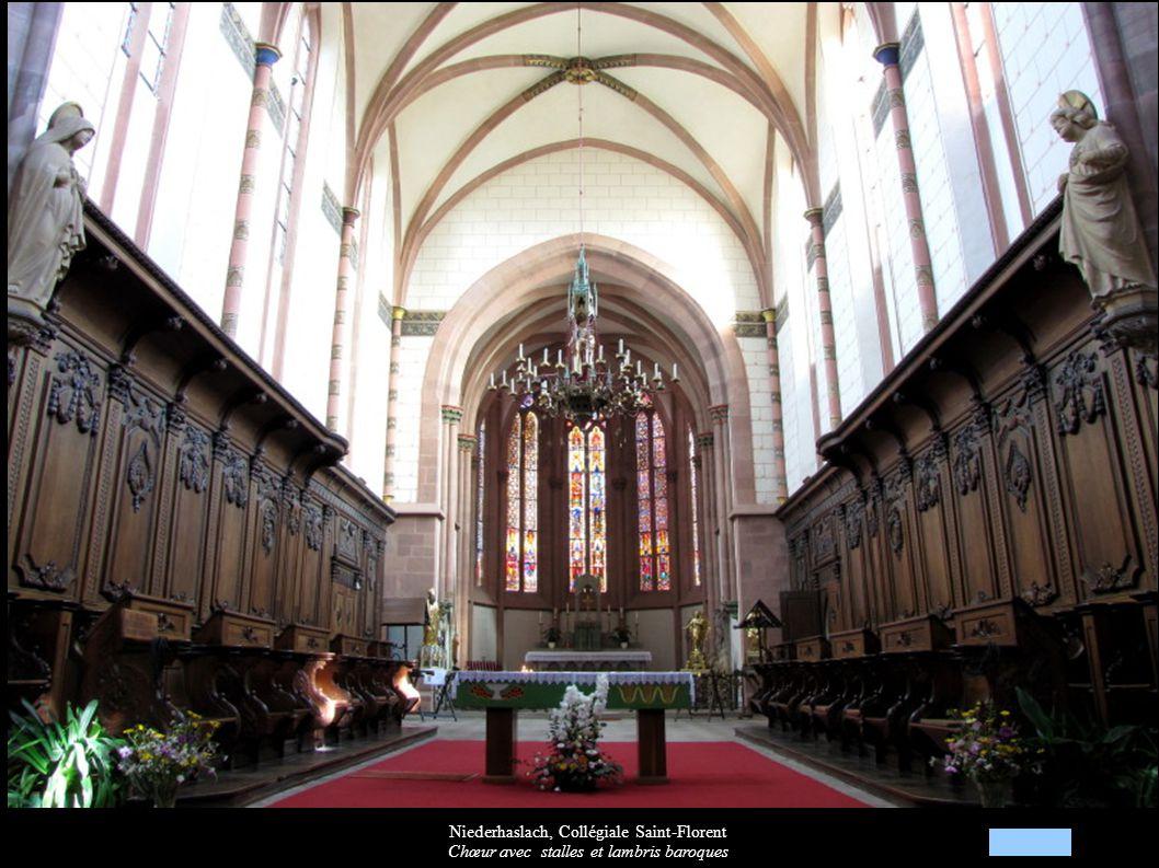 Niederhaslach, Collégiale Saint-Florent Chœur avec stalles et lambris baroques