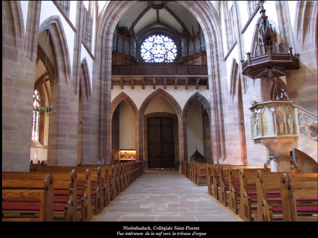 Niederhaslach, Collégiale Saint-Florent Vue intérieure de la nef vers la tribune d'orgue