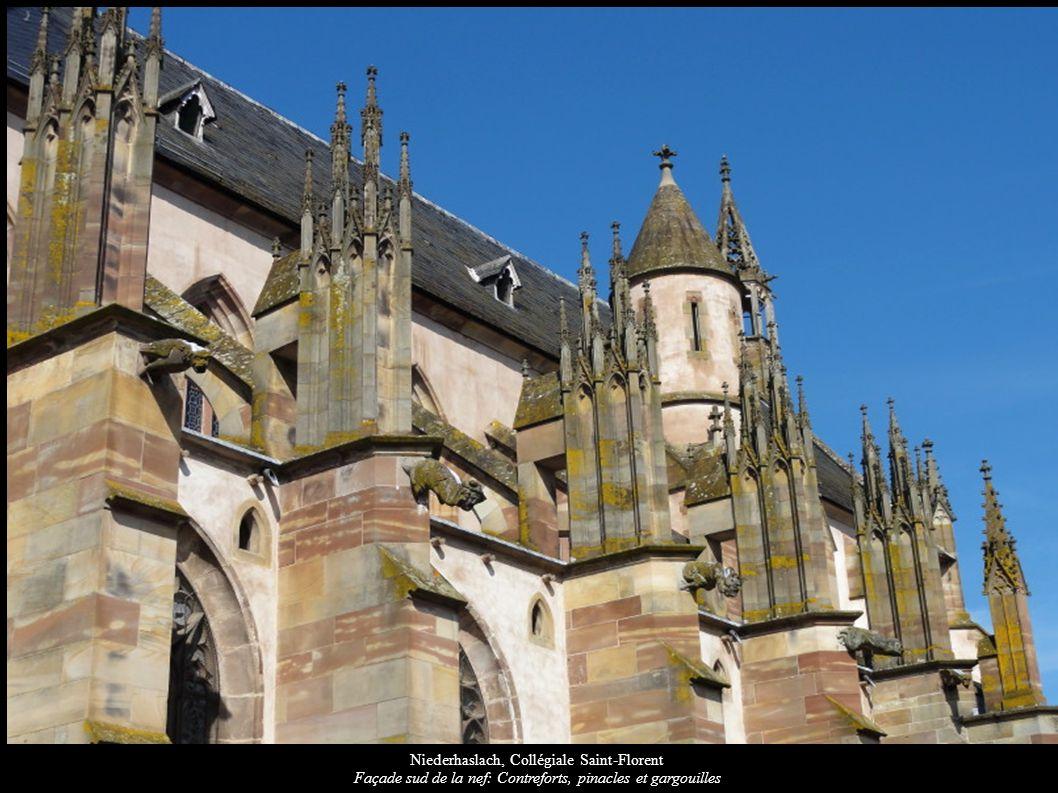 Niederhaslach, Collégiale Saint-Florent Façade sud de la nef: Contreforts, pinacles et gargouilles