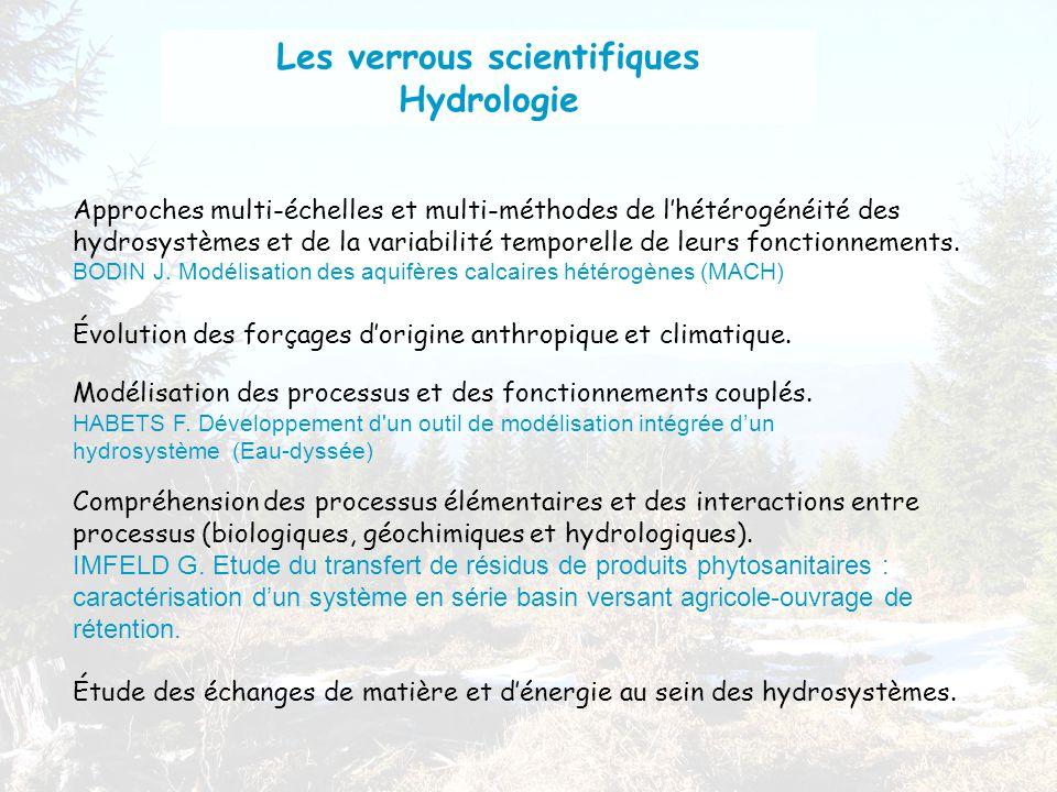 Compréhension des processus élémentaires et des interactions entre processus (biologiques, géochimiques et hydrologiques).