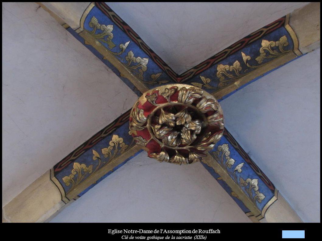 Eglise Notre-Dame de l'Assomption de Rouffach Clé de voûte gothique de la sacristie (XIIIe)