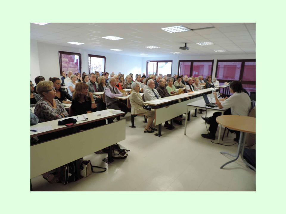 De 16h30 à 18h30, quatre-vingt-quinze personnes ont assisté à la conférence ayant pour thème: Maladie d'Alzheimer, plusieurs générations mobilisées Le