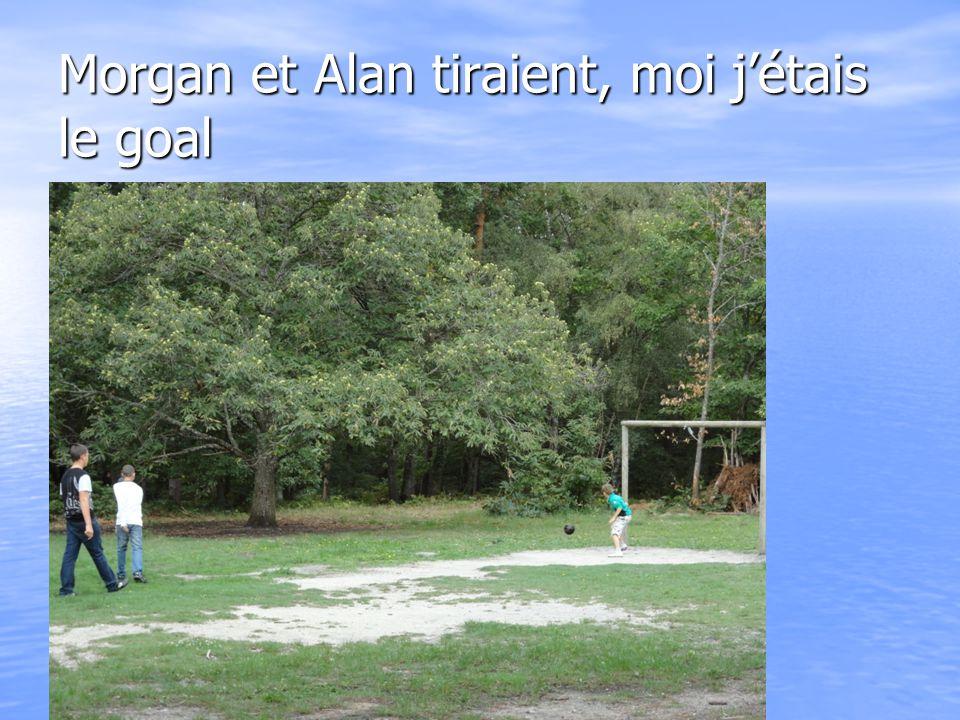 Clément, Alan, Matteo, et moi on construisait une cabane