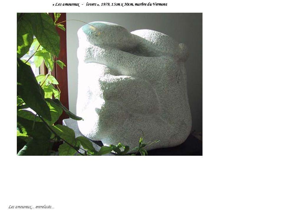 « Les amoureux - lovers », 1979, 15cm x 30cm, marbre du Vermont Les amoureux... entrelacés...