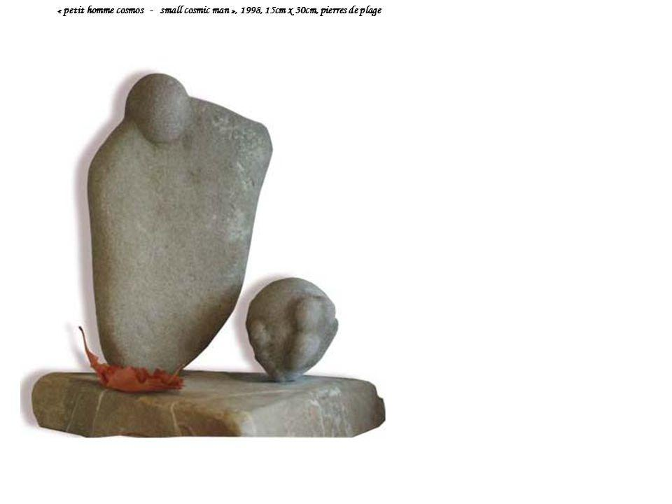 « petit homme cosmos - small cosmic man », 1998, 15cm x 30cm, pierres de plage