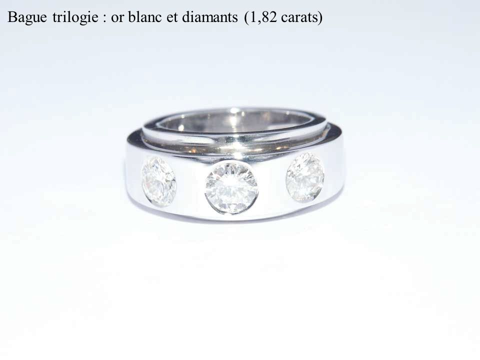 Bague trilogie : or blanc et diamants (1,82 carats)