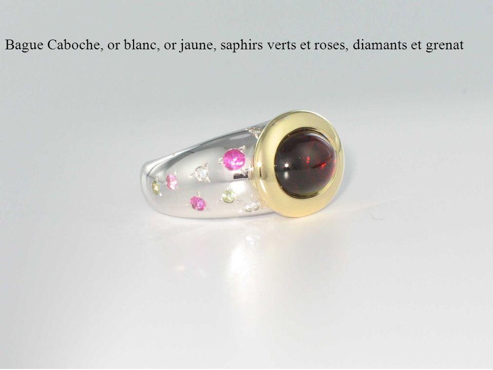 Bague Caboche, or blanc, or jaune, saphirs verts et roses, diamants et grenat