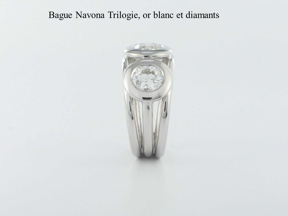 Bague Navona Trilogie, or blanc et diamants