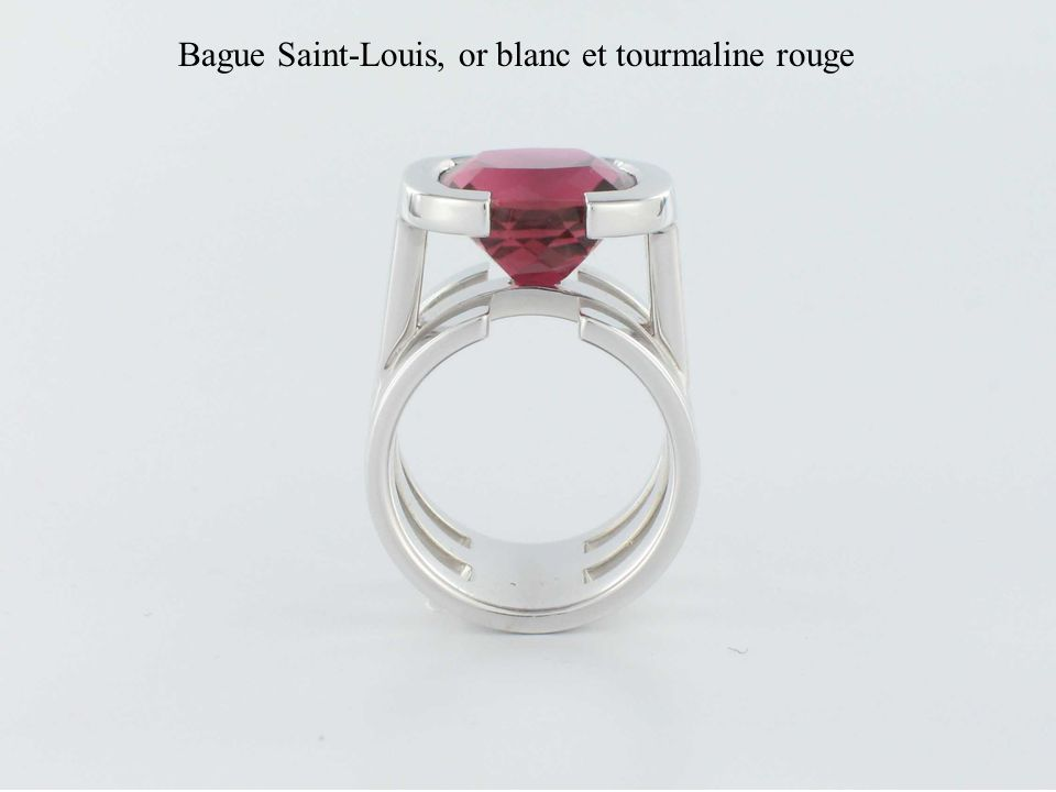 Bague Saint-Louis, or blanc et tourmaline rouge