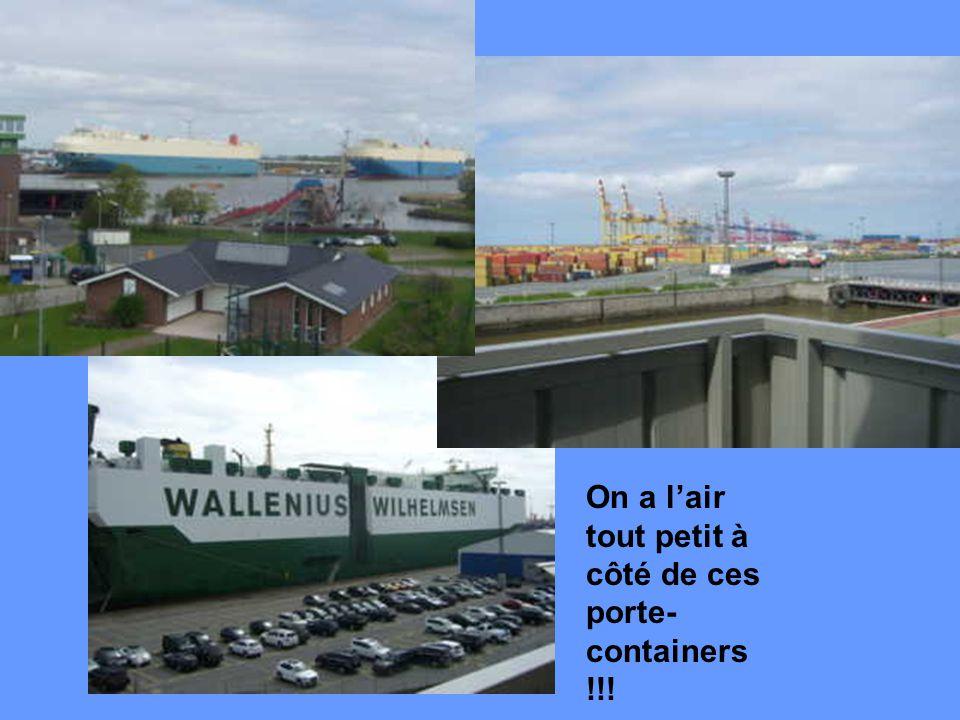 Le port de Bremerhaven est le sixième port de containers dans le monde avec plus de 3,5 millions par an et 1,4 millions d'automobiles. Nous sommes mon