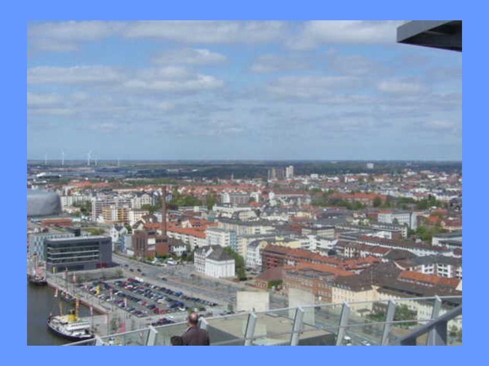 Geestemünde et Lehe fusionnèrent en 1924 pour former la nouvelle ville de Wesermünde, alors troisième plus grande ville de la Province de Hanovre aprè