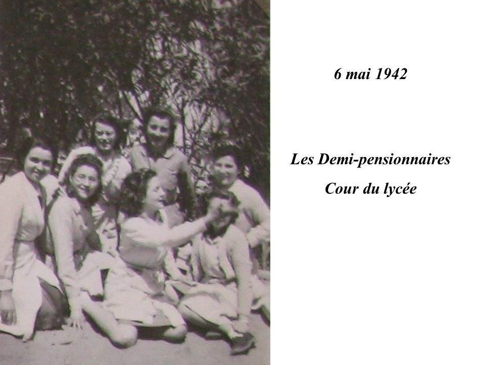 6 mai 1942 Les Demi-pensionnaires Cour du lycée
