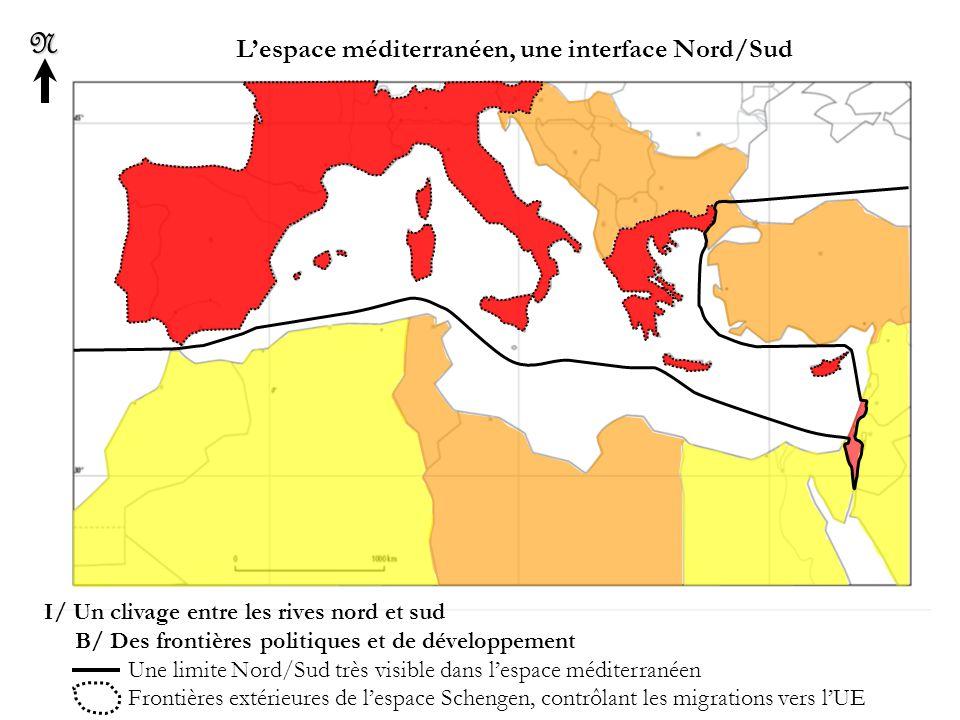 L'espace méditerranéen, une interface Nord/SudN II/ Un espace favorisé par de multiples atouts A/ Des matières premières abondantes Zones de cultures irriguées et intensives (productions agricoles) Principaux gisements d'hydrocarbures