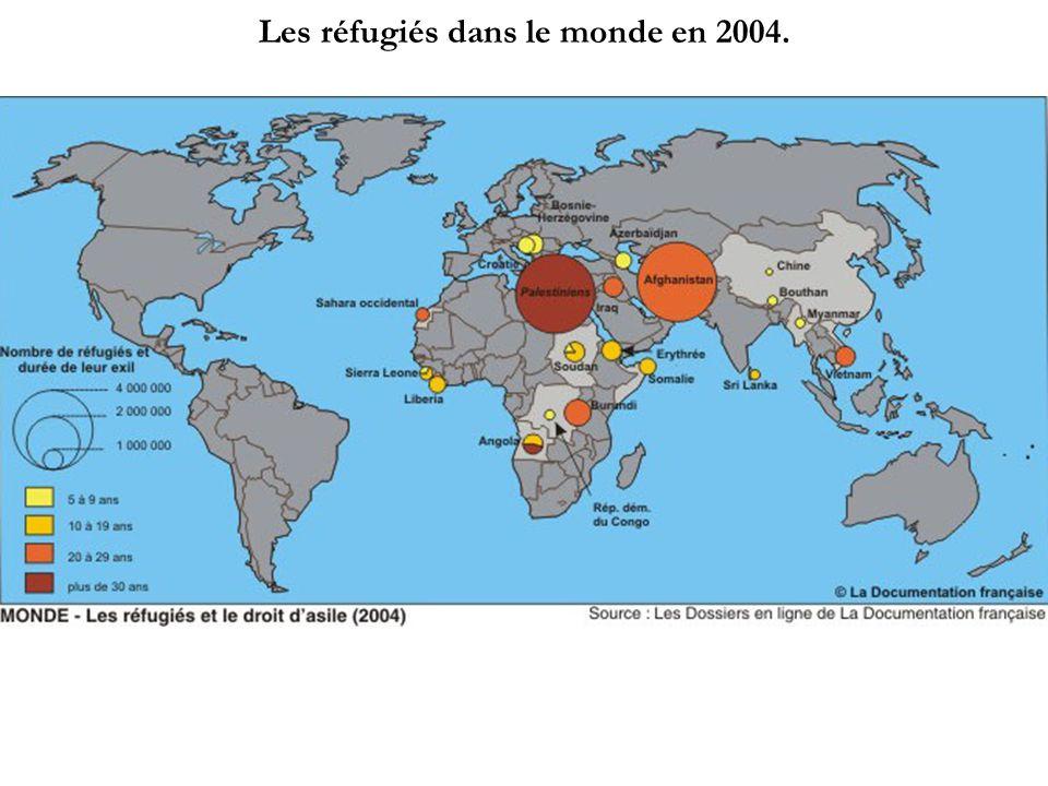Les réfugiés dans le monde en 2004.