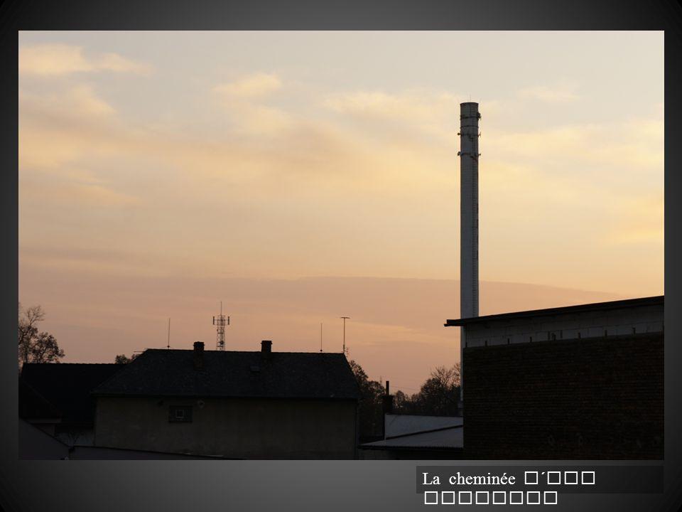 La cheminée d´une fabrique