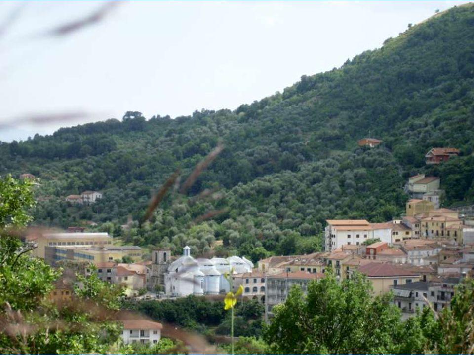 Le 9 avril 1853 à 12h 45 un tremblement de terre a pour épicentre cette petite ville Lorenzo Colatrella et Alfonsina Esposito fuieront alors leur pays