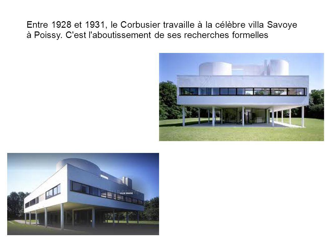 Entre 1928 et 1931, le Corbusier travaille à la célèbre villa Savoye à Poissy. C'est l'aboutissement de ses recherches formelles