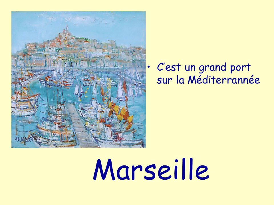 le Pharaon C'est un navire, construit à Marseille
