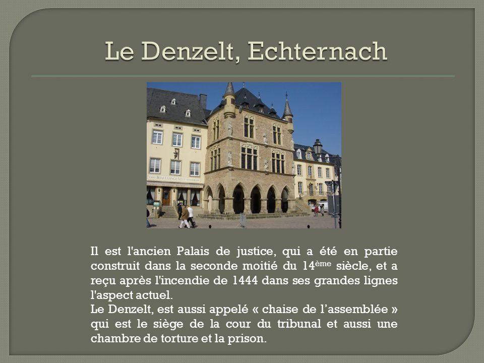 Il est l'ancien Palais de justice, qui a été en partie construit dans la seconde moitié du 14 ème siècle, et a reçu après l'incendie de 1444 dans ses