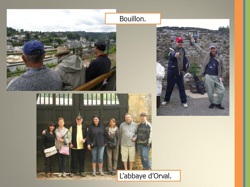 Le service traiteur 4 étoiles. La visite du château de Bouillon.