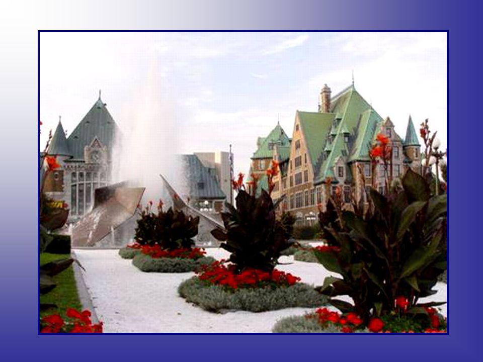 Depuis la ville de Québec est l'une des villes canadiennes les plus prospères économiquement. Elle possède le troisième plus bas taux de chômage au pa