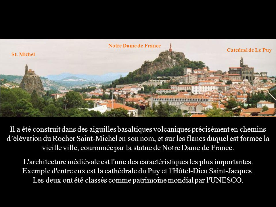 L architecture médiévale est l une des caractéristiques les plus importantes.