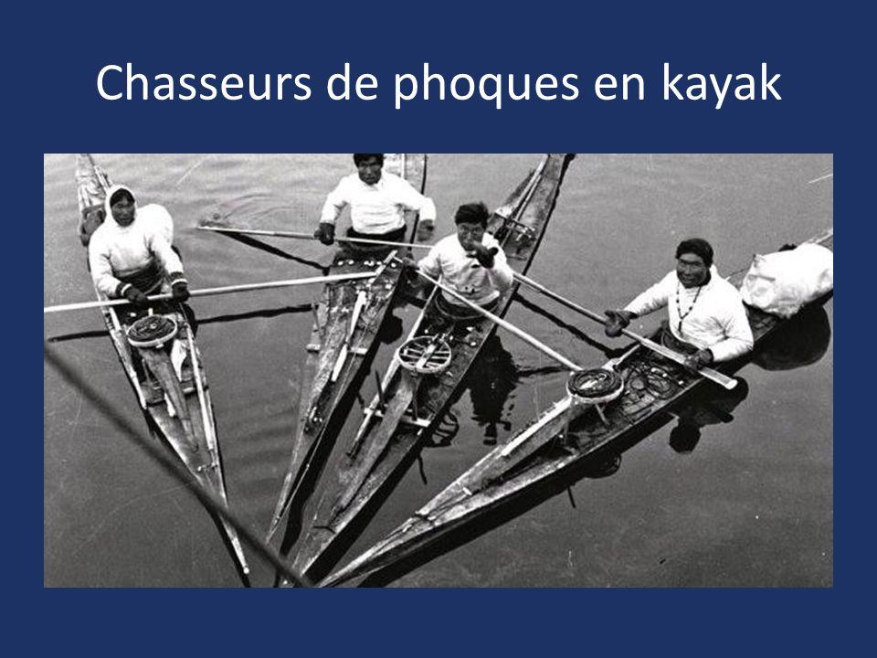 Chasseurs de phoques en kayak