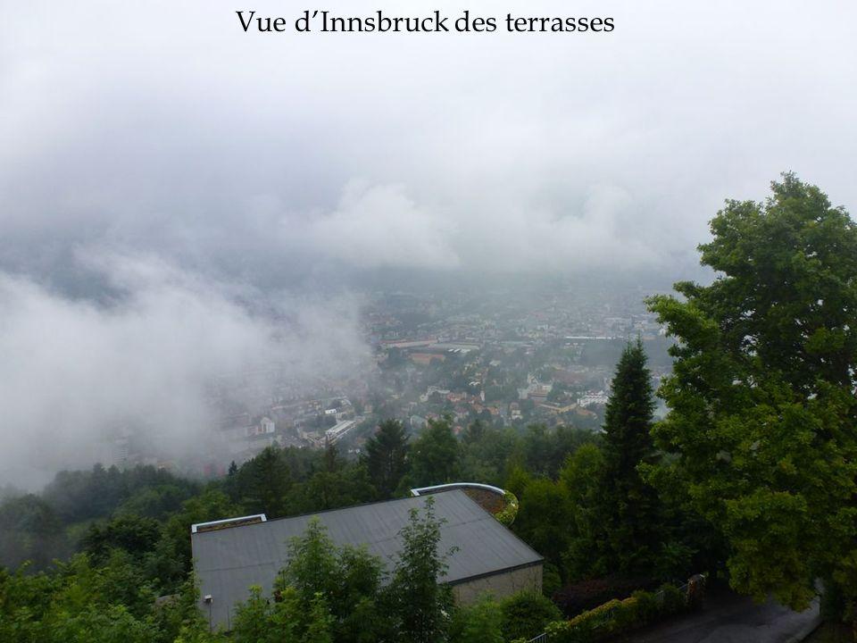 Vue d'Innsbruck des terrasses