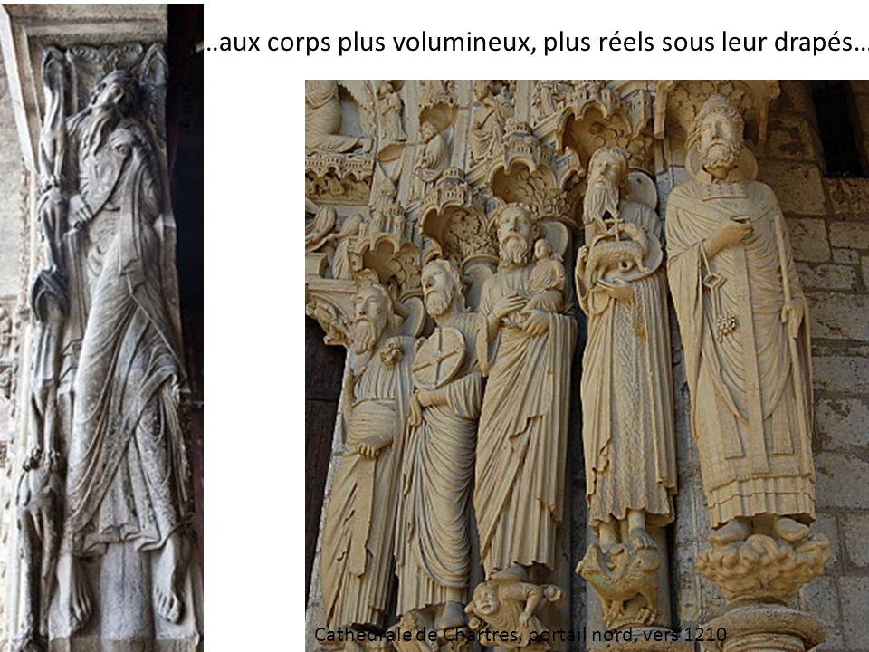 …aux corps plus volumineux, plus réels sous leur drapés… Cathédrale de Chartres, portail nord, vers 1210