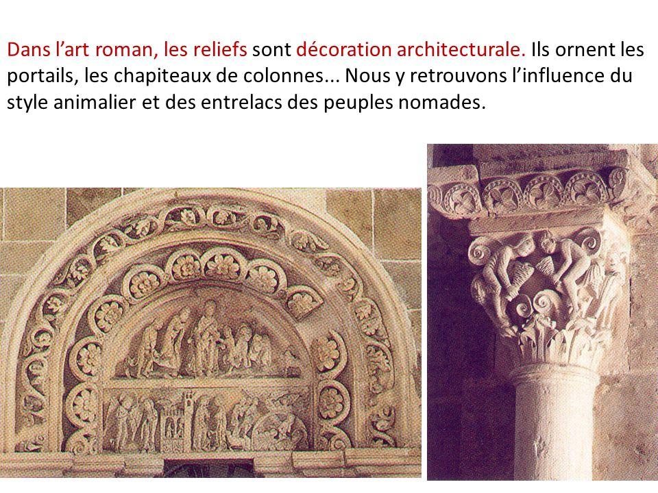Dans l'art roman, les reliefs sont décoration architecturale.