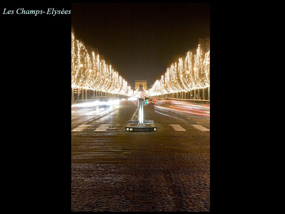 L'Eglise de la Madeleine vue de la Place de la Concorde