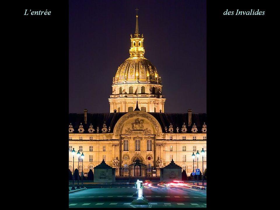 Statues dorées Opéra Garnier