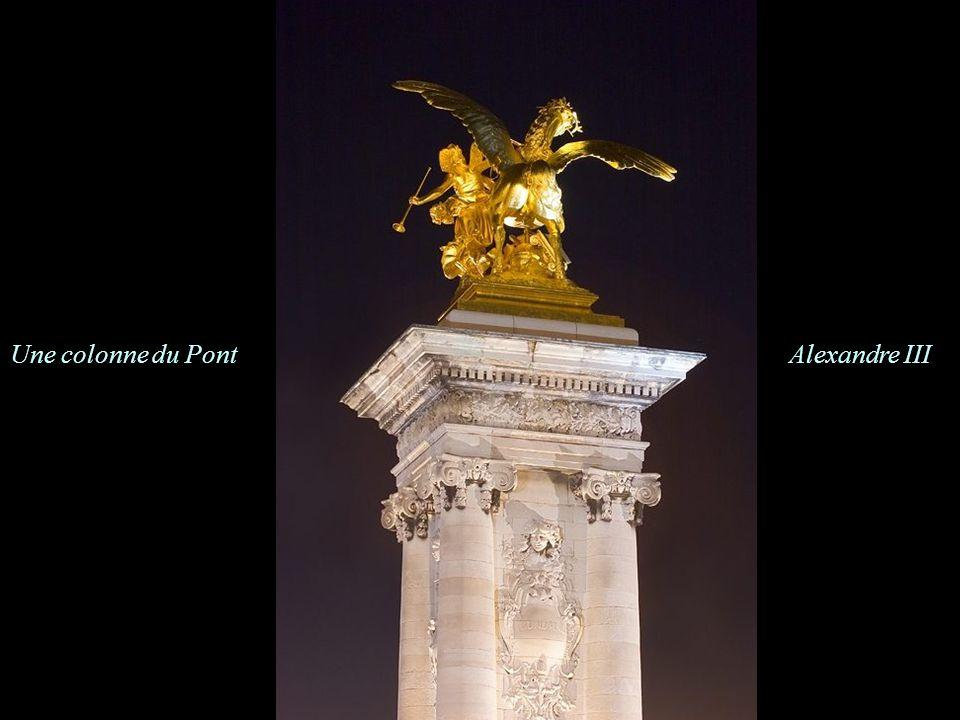 Les Invalides vues du Pont Alexandre III