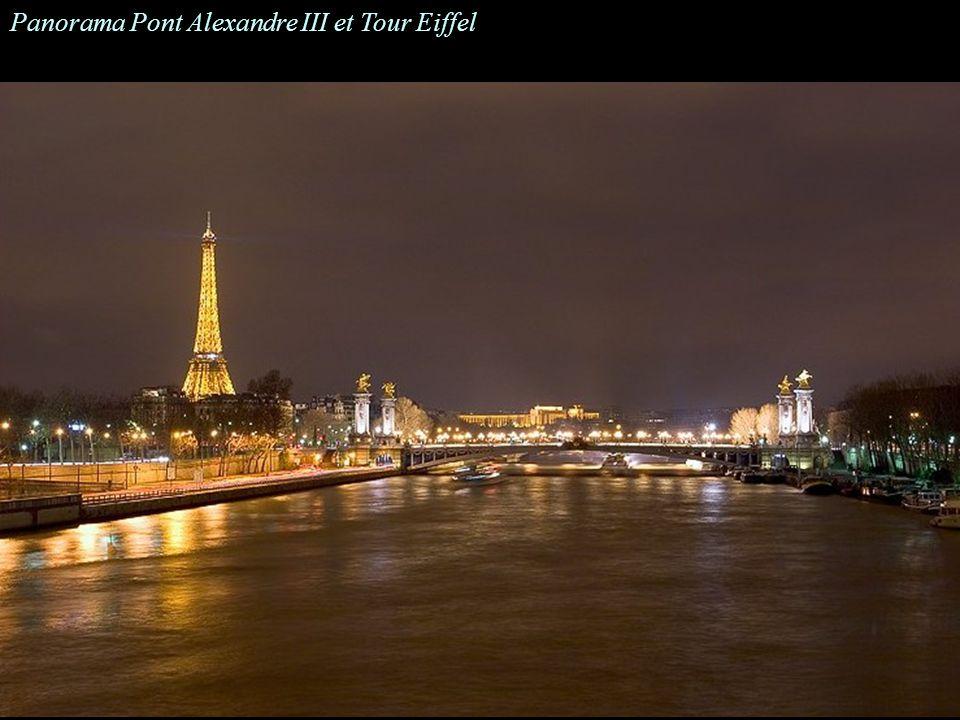 Une colonne du Pont Alexandre III