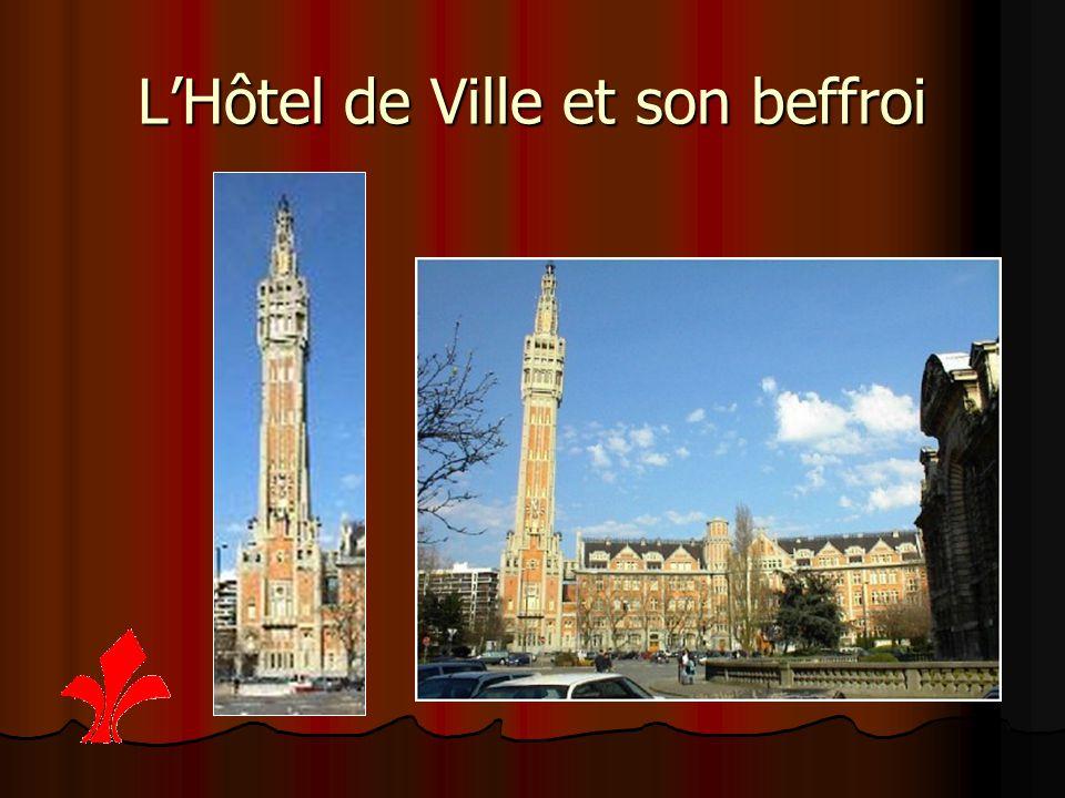 L'Hôtel de Ville et son beffroi