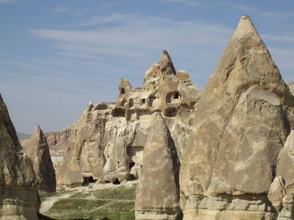 11˚ et 15˚ siècles la Cappadoce est conquise par les turcs.