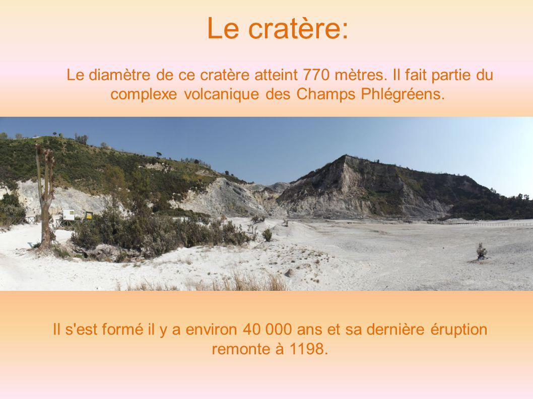 Le cratère: Le diamètre de ce cratère atteint 770 mètres.