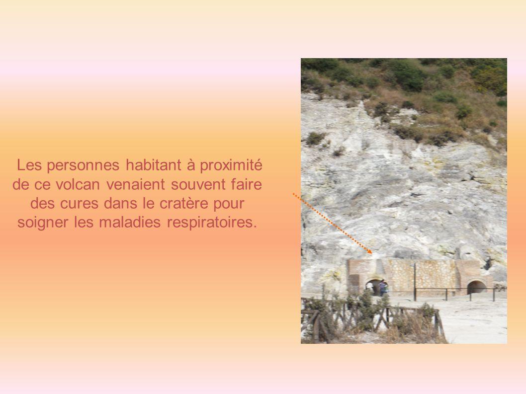 Les personnes habitant à proximité de ce volcan venaient souvent faire des cures dans le cratère pour soigner les maladies respiratoires.