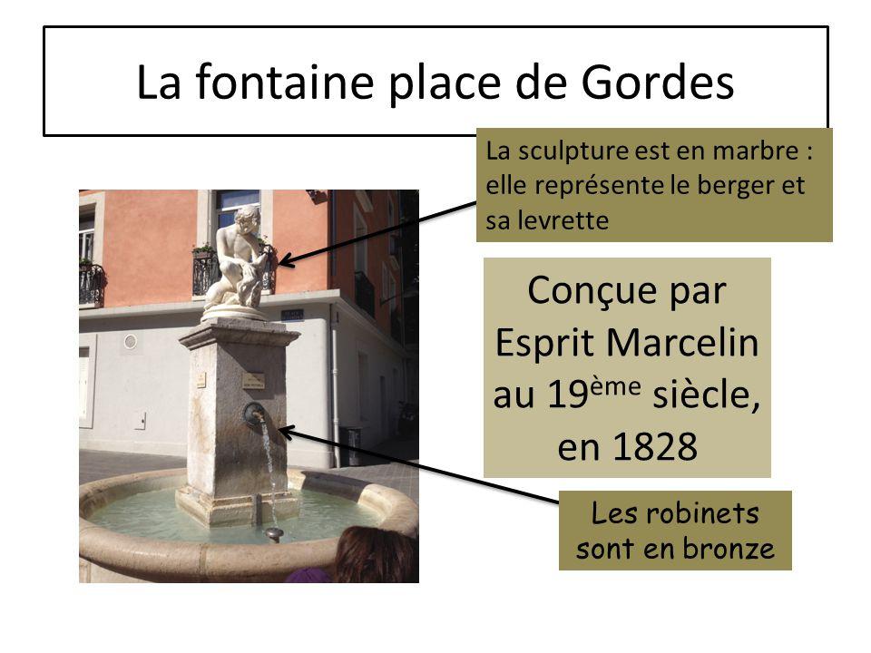 La fontaine des Trois ordres Triton : homme/poisson
