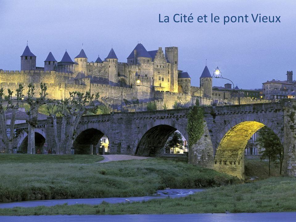L'Aude et ses paysages Pays Cathare: ses châteaux Ses lacs et ses montagnes Pays Cathare: ses châteaux Ses lacs et ses montagnes