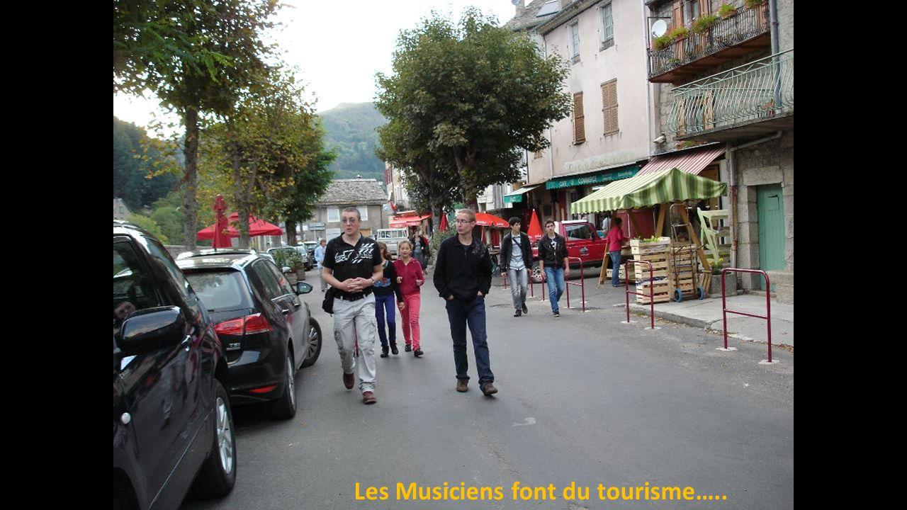 Les Musiciens font du tourisme…..