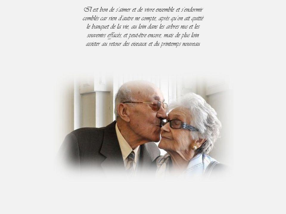 Que c'est bon les baisers, et quand le feu s'épuise de lui souffler dessus d'une bouche gourmande Se plier au désir de celui qui quémande…...