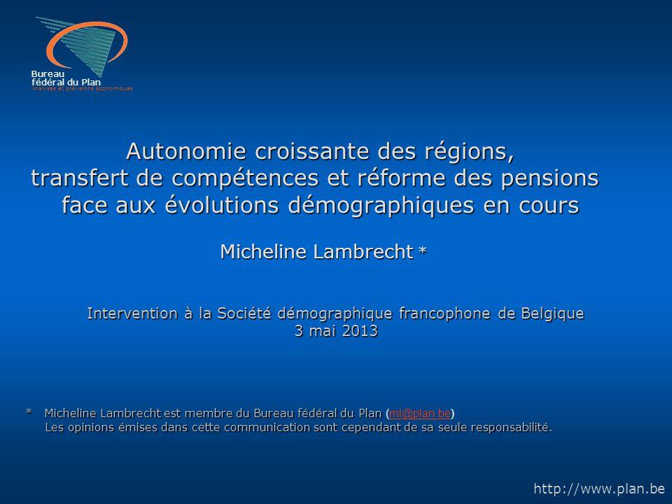 Analyses et prévisions économiques 12 Bureau fédéral du Plan Nombre moyen d'enfants par femme (ICF) par région 1991200020092020 2060 Bruxelles-capitale1,821,952,102,022,10 (1,97 ) Flandre1,591,571,801,811,82 (1,78) Wallonie1,761,761,821,861,89 (1,81) Belgique1,661,671,841,851,87 (1,81) Sources: -Observations : DGSIE, Calculs BFP; -Perspectives de population 2011-2060, BFP-DGSIE: basées sur les observations des bulletins de naissance, corrigées dans la projection de naissances pour revenir au sens de la domiciliation du RN - Perspectives de population 2012-2060, BFP-DGSIE, basées sur les observations 2010 et 2011 de la source Registre national : fécondité des seules femmes domiciliées dans l'arrondissement