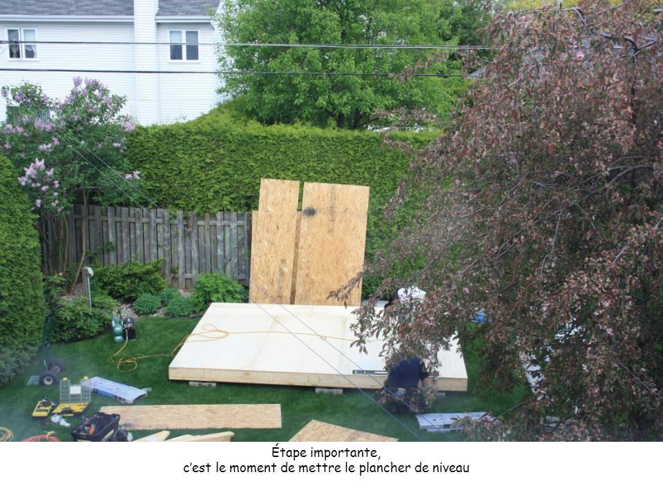 Tout est vérifié avant d'installer le toit.