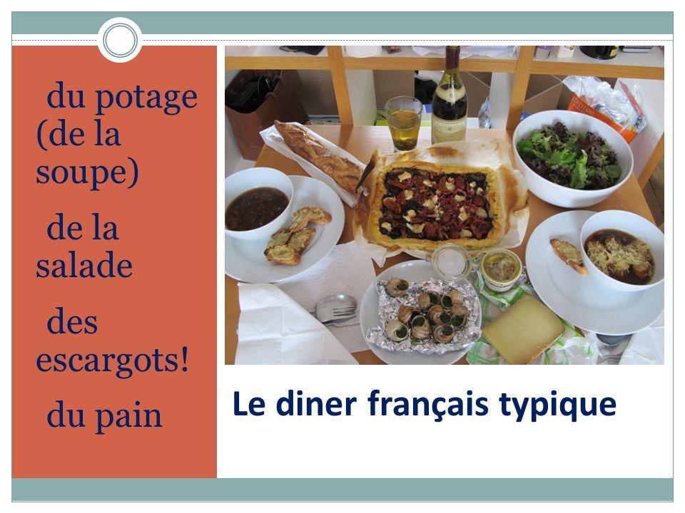 Le diner français typique du potage (de la soupe) de la salade des escargots! du pain